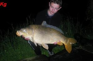 Session de nuit a la carpe a fontaine-les-vervins avec Garry .
