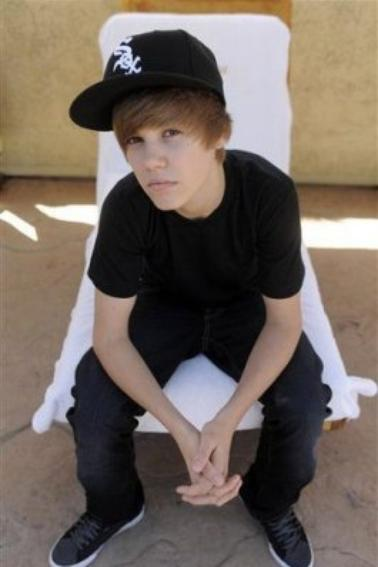 Photoshoot de Justin pour Chris Pizzello (2010) (16 ans)