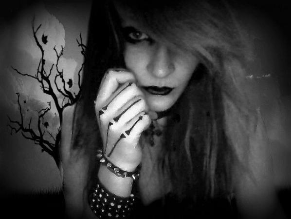 tue moi, torture moi .. mais ne joue pas avec mon coeur..