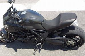 ducati diavel carbon black full options , 167 ch
