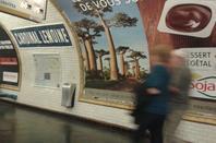 La signalétique dans le métro.