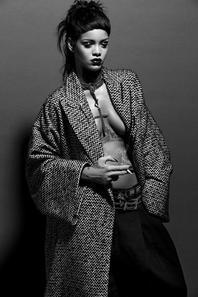 Rihanna sensuelle et torride pour son shooting le plus fou