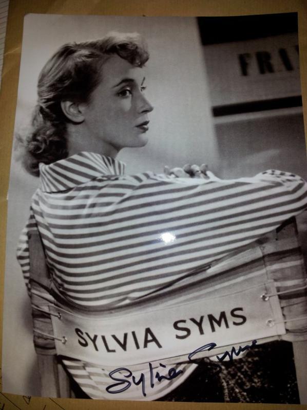 Sylvia Syms (Le Monde de Suzie Wong, La Victime, The Queen)