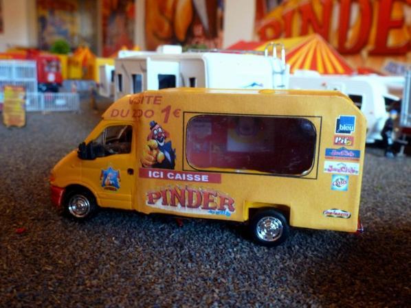 Caisse zoo cirque Pinder
