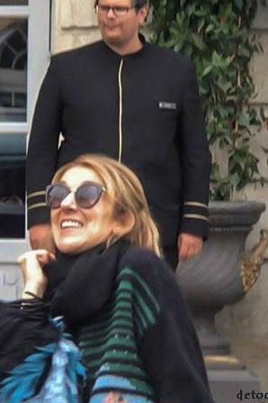 Céline sort de son hotel à Bordeaux pour retrouver le stade !!!! 29/06/17