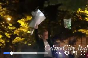 Hier soir le 08/07/17 après son concert, Céline est montée sur le capot de la voiture et a dansé en écoutant chanter les fans pour elle :)