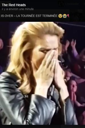 Céline très émue à la fin de son spectacle ...