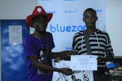 Remise d'attestation aux jeunes designer hand made a La Maison de l'Entreprenareur et de l'artiste peintre fashion designer TINKPON KAINFRI WEAR du Benin sise à L'ESPACE MULTIE METIER DE LA BLUEZONE ZONGO de cotonou........... T.K.W a procédé le samedi 03 SEPTEMBRE 2016, à une remise d'attestation de la 2éme SAISON de fin de formation à 8 apprenants après 1MOIS de formation dans l'art du hand made de dessin sur teeshirt...et du fil tandu .......MERCI A TOUS LES PARTICIPANTS et A LA RESPONSABLE DE LA BLUEZONE ZONGO.... TINKPON KAINFRI WEAR BIENTOT DISPONIBLE PARTOUT INCHALLAH GRACE A LA MULTIPLICATION DE LA MAIN D'OEUVRES AVEC LA JEUNESSES AFRICAINES ET DU MONDE RDV 2017 pour la nouvelle rentree chez T.K.W............