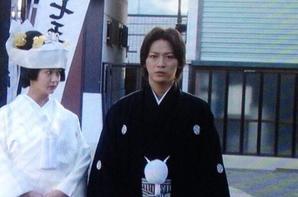 Kazuya se marie ! Il a vraiment l'air heureux ! O-O !