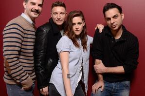 #NEWS Kristen Stewart posant avec le cast de Camp X-Ray au Sundance Festival hier