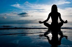 __________Méditation ¤ yoga ¤ tantrique                    Après une dure journée de travail il n'y a rien de mieux qu'une bonne séance de détente,lire un bon livre,regarder un bon film,prendre un bon bain parfumé aux huiles,la méditation est aussi une bonne pratique de relaxation qui fait renaître notre intérieur et améliore notre bien-être personnel,privilégier la détente après l'effort pour pouvoir repartir avec la pêche et la sérénité suivi du petit sourire...