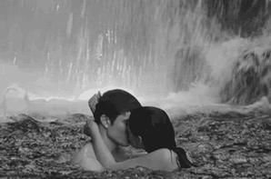 °•◇◆Amour,le coup de foudre c'est le désir au départ,mais l'amour c'est avec le temps,ça ne se contrôle pas c'est vrai,mais les vrais sentiments viennent en douceur petit à petit au rythme de chacun dans la relation. Il y a la confiance et une sympathie entre les deux avec ou sans attirance,ça peut fonctionner et l'amour peut venir car celui-ci ne prévient pas mais il s'implante discrètement jusqu'à ce qu'on s'en rende compte,au final si ça ne marche pas on y gagne un bon ami ou amie,sinon dans le cas contraire on a les deux,l'amour et l'amitié.Si il y a infidélité dans le couple c'est parce qu'il y a un manque de communication entre les partenaires,la faute reviens aux deux personnes,les deux sont responsables de cette échec et cela commence par des refus divers,des refus de contacts physique affectif,le couple représente un engagement important dans la vie de tout les jours,les sentiments s'entretiennent tout les jours,quand le conjoint est infidèle cela veut dire qu'il vous aime mais qu'il ou elle vit mal la relation puisque cette personne continue à rester avec vous,jeter la faute ne sert à rien puisque les torts sont partagés des deux côtés,il faut surmonter les problèmes ensemble peu importe leur nature et apprendre à pardonner l'autre,vous repartez sur de nouvelles bases seines,il faut s'occuper de son couple,échanger avec l'autre,discuter de tout dans le couple,il ne faut pas avoir de tabous puisque ceux-ci est déjà un obstacle,aborder tout avec son conjoint et lui ouvrir grand la porte de son coeur,en amour il faut se donner entièrement,se chouchouter mutuellement dans le couple et essayer de nouvelles idées,faire grandir son couple pour le rendre solide,il ne faut pas étouffer l'autre non mais vous lui laissez ses moments de liberté,de solitude parfois pour se ressourcer et qu'elle / qu'il puisse mettre de l'ordre dans ses pensées,il faut trouver un juste milieu,mais se séparer pour des disputes est ridicule,on doit discuter avec son partenaire et apprendr