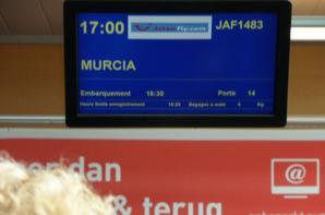 Voila mon avion embarcation a 16h30 et décollage a 17h sans retard arrivée a 19h30 A Murcia San Javier