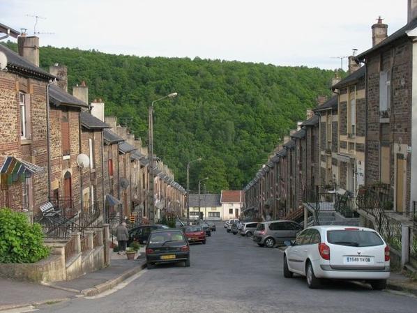 Bogny la rue de l'échelle   vers 1880 et maintenant