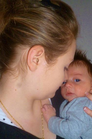 Jeune maman et fière (: