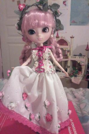 Mémoria avec une nouvelle tenue de roses partie 2