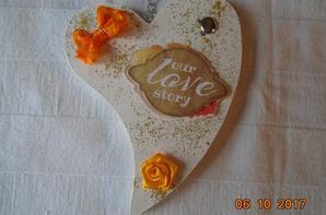 Coeurs avec inscription et décoration automnale