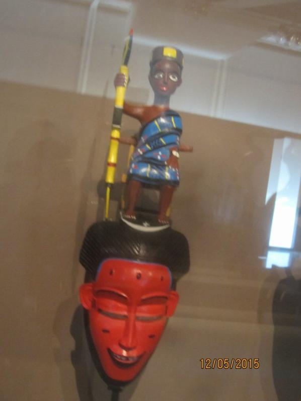 les  gouros  à  l  '  expo   du   musée  QUAI  BRANLY  à  PARIS