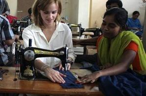 Juillet 2010 : Emma Watson au Bangladesh dans le cadre de son partenariat avec People Tree