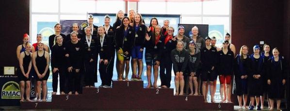 Blandine remporte avec son équipe de l'Université d'Oklahoma, le podium du 4x50 Nage libre de la conférence annuelle qui a lieu au Colorado