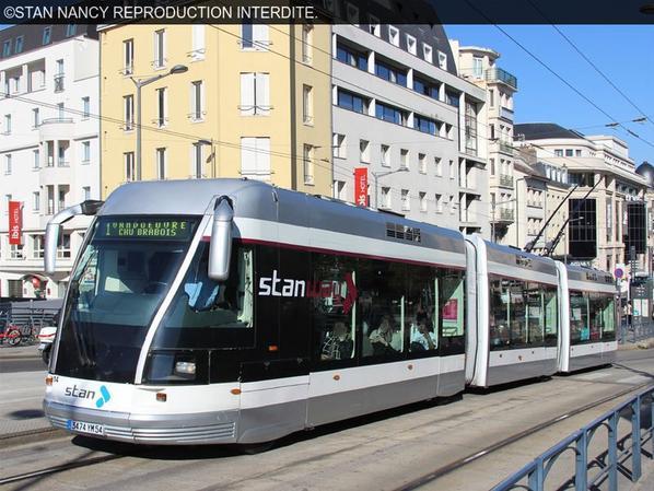 Comparer les tramway. Numéro article 26.
