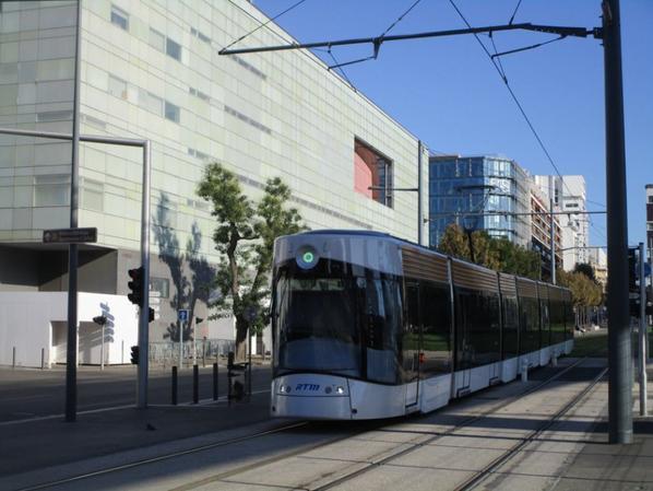 Comparer les tramway. Numéro article 37.