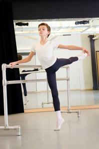 Elie Carlson american ballet dancer