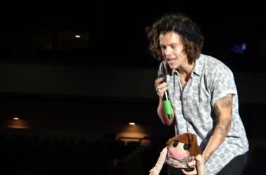 Harry sur scène à Philadelphie le 14/08/14 (3)