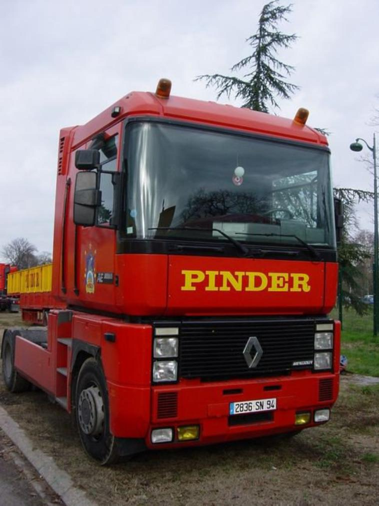Les Renault Magnum Pinder .