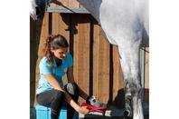 SOINS: Le pansage, un moment privilégié avec son cheval.