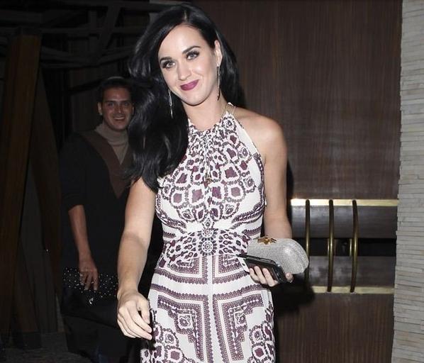 Katy fête son anniversaire avec ses amis et sa famille
