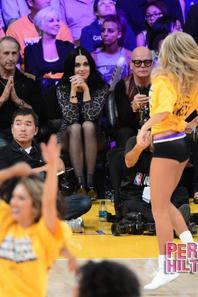Katy vibre pour les Lackers avec son papa