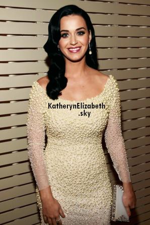 09/02 : Katy à la soirée de Pré-Grammy aux côtés de John Mayer.