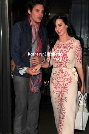 10/02 : Katy aux Grammy Awards 2013 (+ photo coulisse) // 14/02 : Kathon en sortie romantique pour la St-Valentin (+ Rumeur)