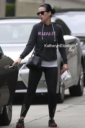 16/03 : Katy durant son jogging //  Petites rumeurs