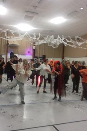 SOIREE HALOWEEN A NAVES AVEC LES WEST  RIVER DANCERS