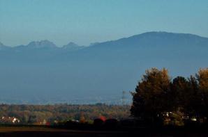 La belle vue......a la sortie de village de Grilly....