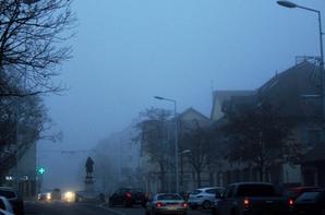 La ville...ma petite ville et le brouillard...