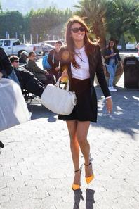 Nina Dobrev le 10 Janvier 2014 au  Extra Tv