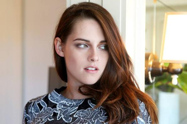 "Kristen Stewar pour "" Into the Gloss """