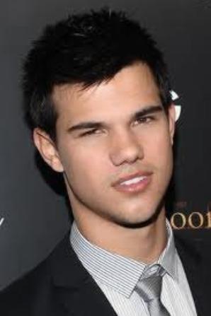 Taylor Lautner . . . ( Jacob )