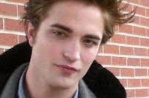 Robert Pattinson . . .  ( Edward cullen )
