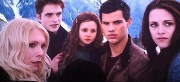 Edward, Bella, Renesmee et Jacob