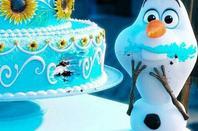 * « Bonjour à tous je m'appelle Olaf, j'aime les gros câlins. » « Certaines personnes ont le don de vous faire fondre. »*