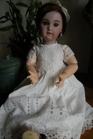 Magnifique poupée tête porcelaine , Jumeau-SFBJ