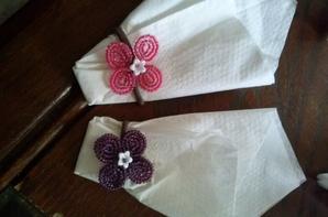 3025  dragées et serviettes pour occasion (mariage baptême)