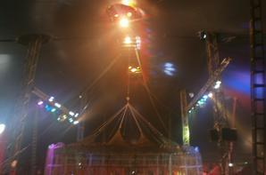 Cirque MEDRANO ( intérieur du chapiteau)