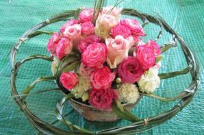 En rose sur collerette de bear-grass