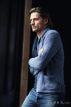 """Nikolaj, encore lui, dans le magasine Dujour du mois d'Avril, deux nouvelles photos de Peter et Elle Fanning pour le film """" Low Down """""""
