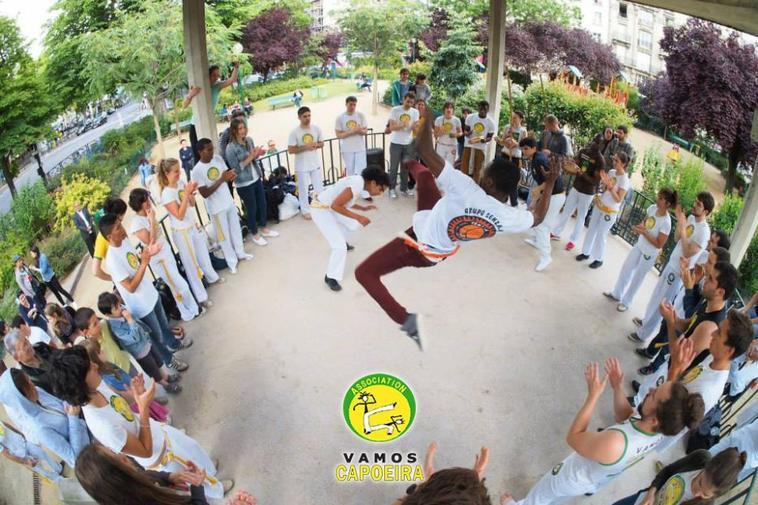 Roda de capoeira a Paris avec Vamos capoeira